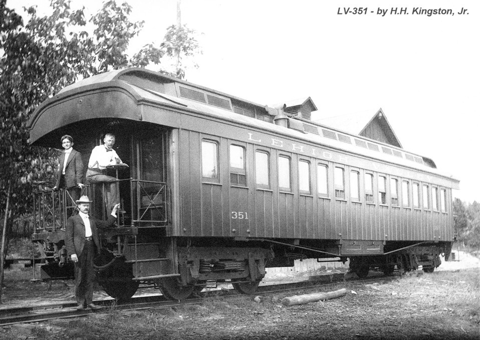 LV 351