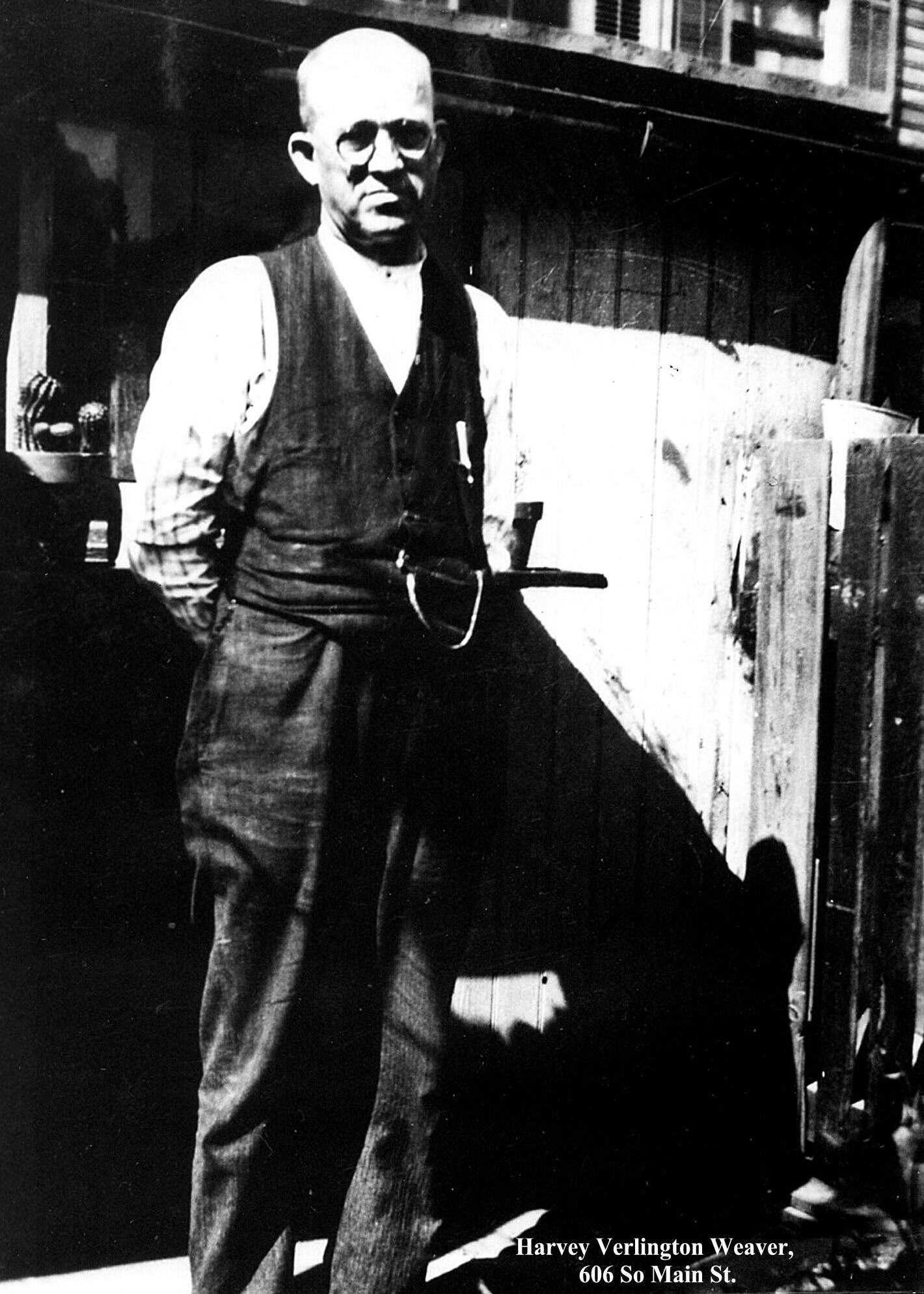 Weaver, Harvey.,  1925.